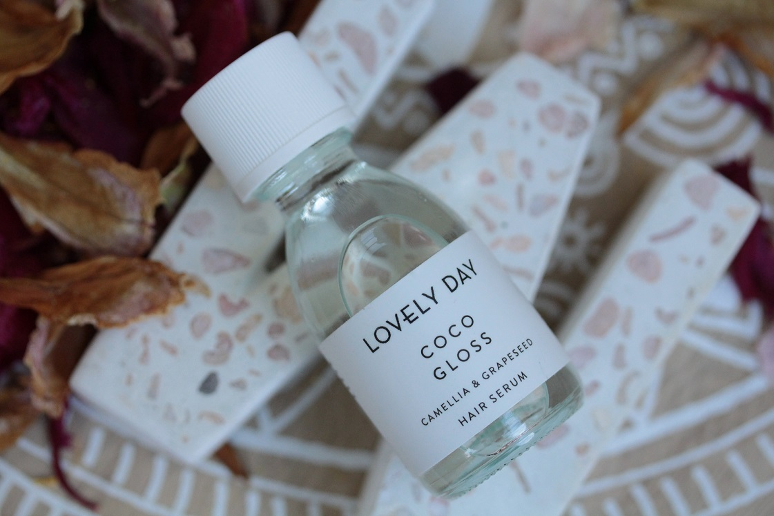 Monatsfavoriten_Juni-2017-Lovely-day-botanicals-coco-gloss-Haarserum-das-leben-ist-schoen