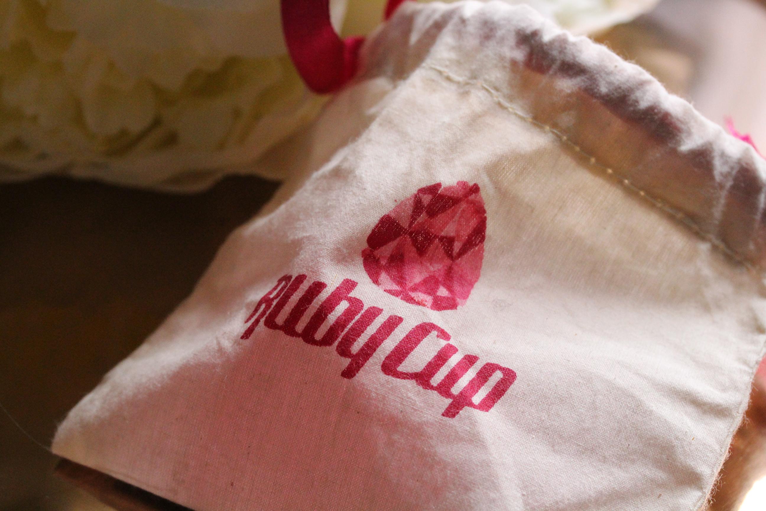 Hoch die Tassen – Erfahrungsbericht über die Menstruationstasse(n)