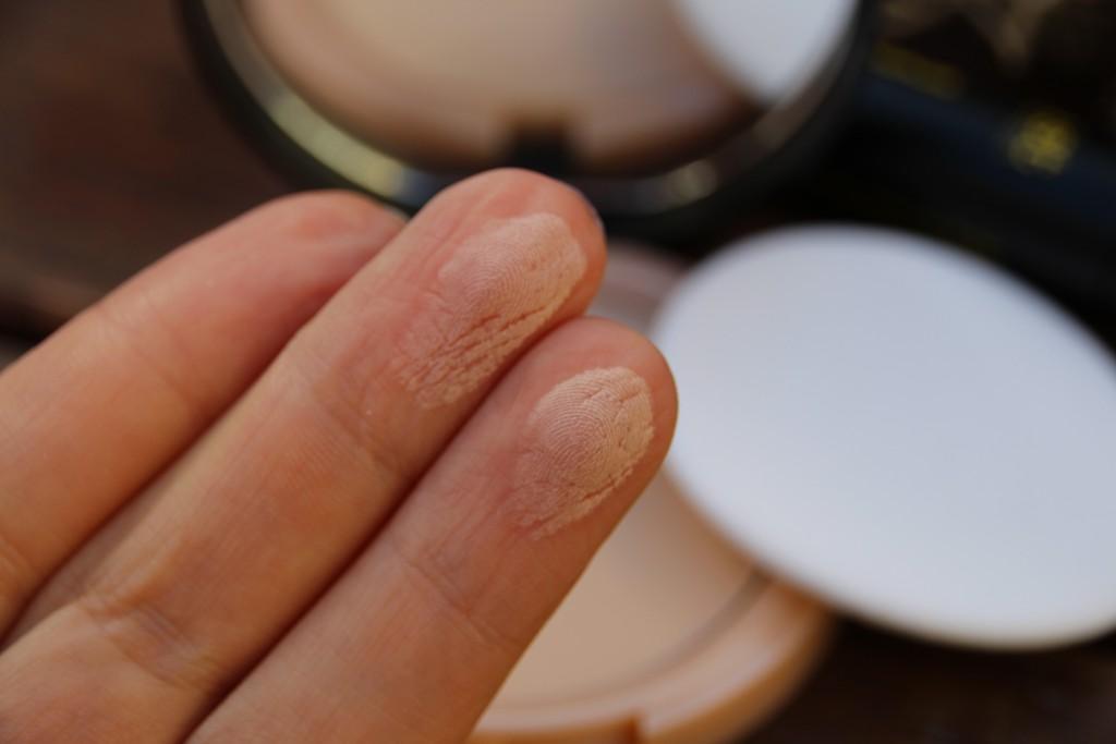 Just Cosmetic_Kompaktpuder Swatch