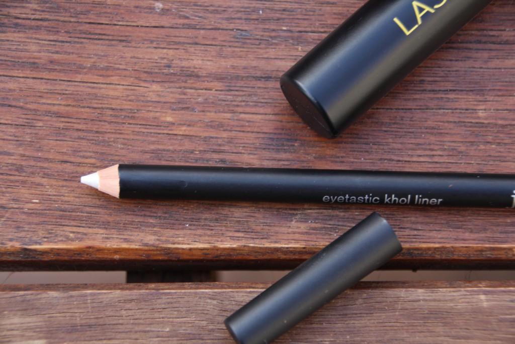 Just Cosmetics_Kohl Liner