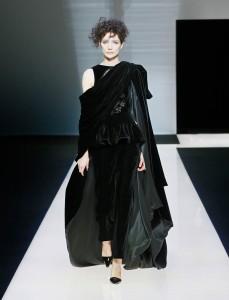fswmi02.07fr-giorgio-armani-womenswear-fw16-17_-07-highres