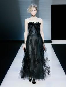 fswmi02.09fr-giorgio-armani-womenswear-fw16-17_-09-highres