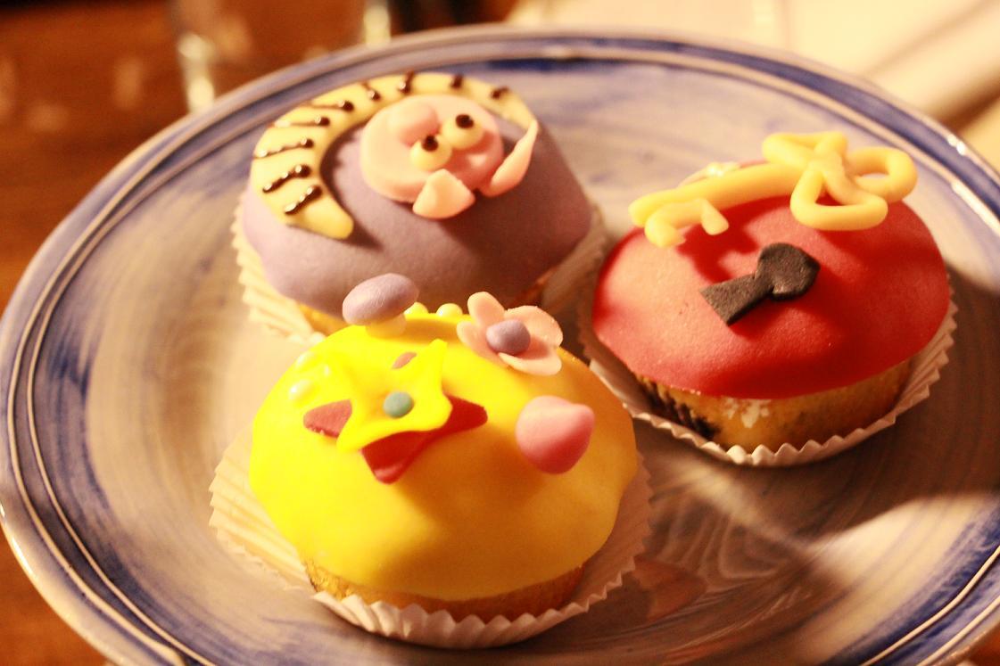 Das Leben ist schön_Alice im Wudnerland_Cupcakes