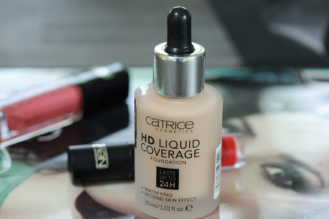HD Liquid Coverage Foundation - Nuance 020