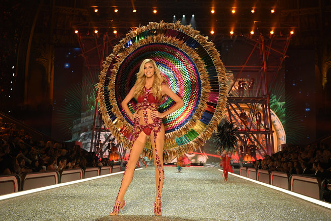 Victoria's Secret Show 2016: die aufregenden Looks
