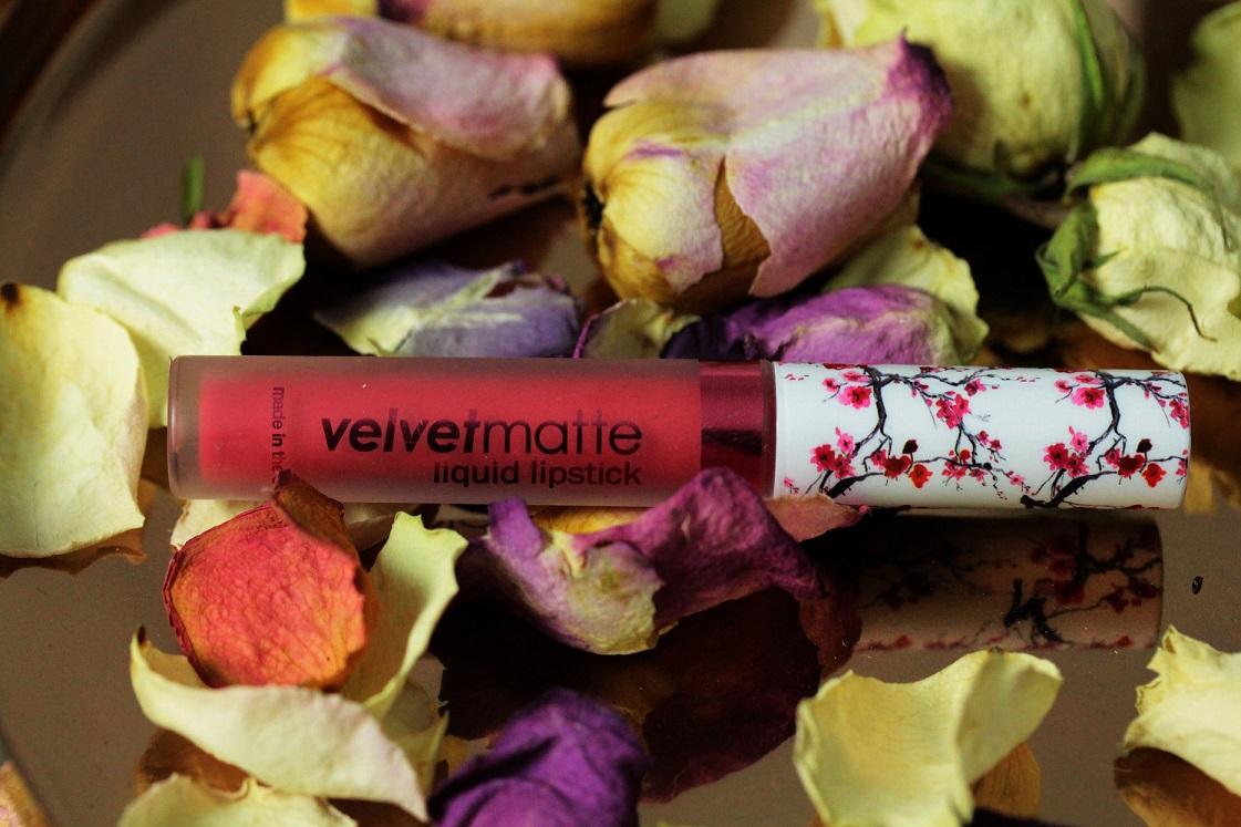 Monatsfavoriten_März 2017_LA Splash Velvet Matte Liquid lipstick Party Girl_Das Leben ist schoen
