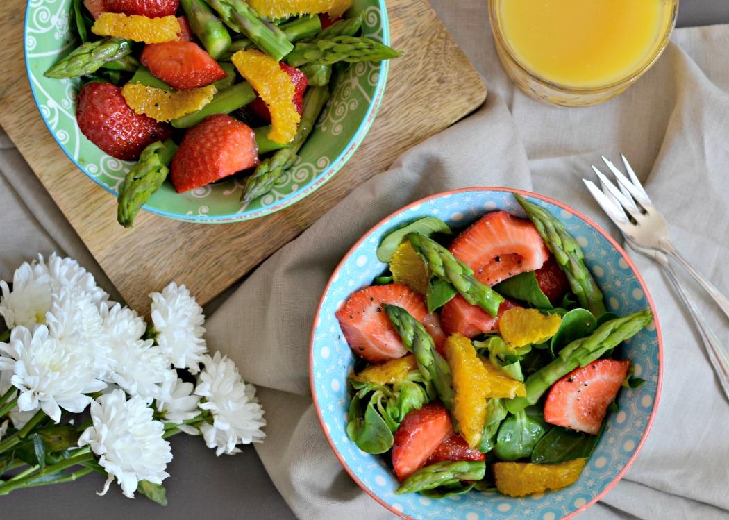 erfrischender-sommer-erdbeersalat-mit-gruenem-spargel-das-leben-ist-schoen-sylvislifestyle