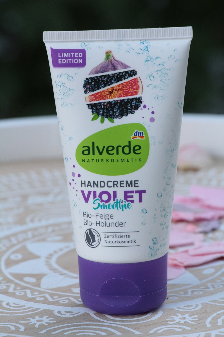 natuerlich-schoen-alverde-handcreme-violett-smoothie-das-leben-ist-schoen
