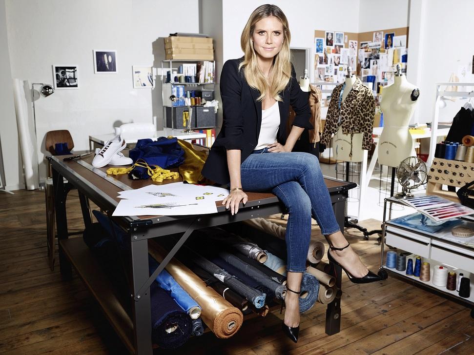 """The designer. Heidi in her atelier. Weiterer Text über ots und www.presseportal.de/nr/58227 / Die Verwendung dieses Bildes ist für redaktionelle Zwecke honorarfrei. Veröffentlichung bitte unter Quellenangabe: """"obs/Lidl"""""""