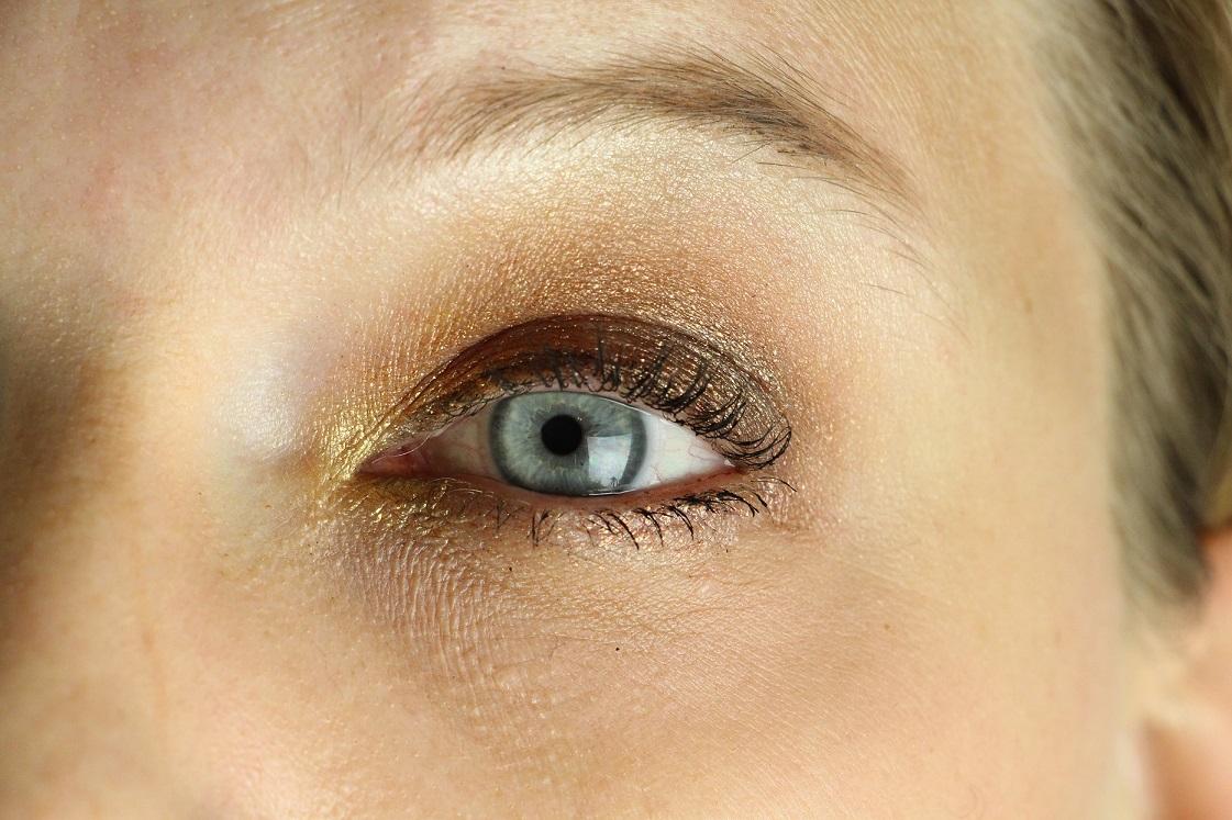 blogparade-glitter-alltagslook-augen-make-up-fokus-auge-das-leben-ist-schoen