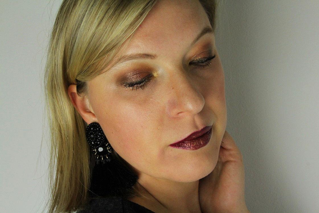 blogparade-glitter-alltagslook-augen-make-up-seitlich-das-leben-ist-schoen